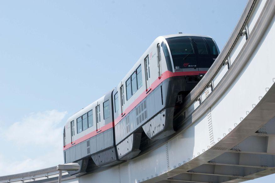沖繩不開車怎麼玩?單軌電車