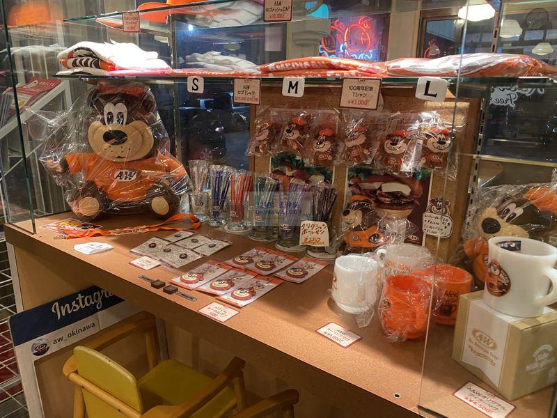 沖繩行程分享-A&W名護店周邊商品