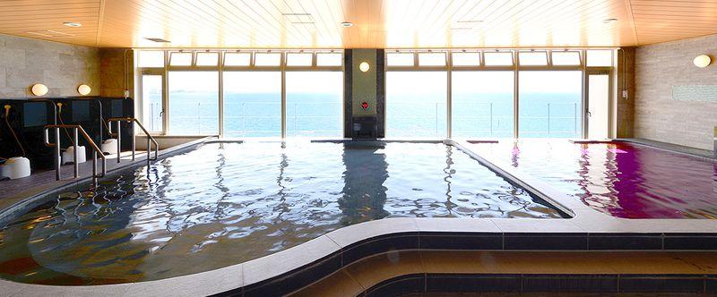 Vessel Hotel Campana Okinawa-海景泡湯池